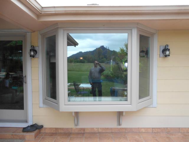 Pleasant Hill, OR - We installed 10 replacement windows and 1 patio door for this home!