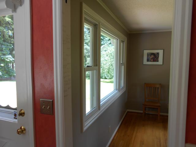 Pleasant Hill, OR - We installed 22 replacement windows for this home!