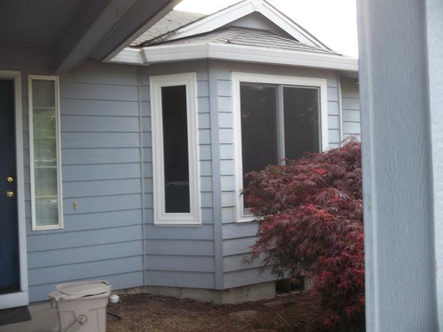 Albany, OR - We installed 12 windows for this great home!