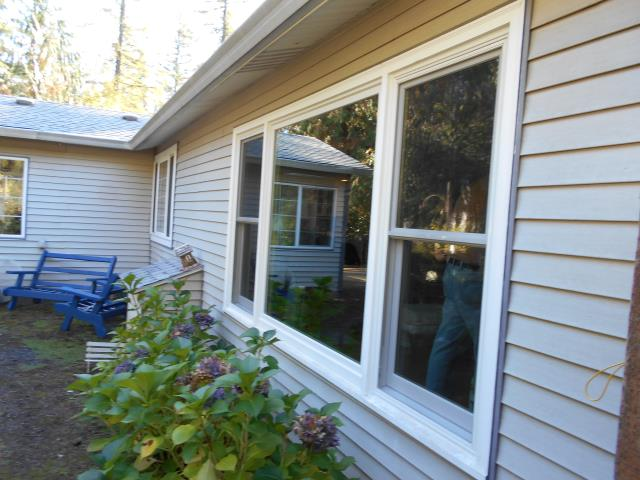 Battle Ground, WA - We installed 5 replacement windows for this home!