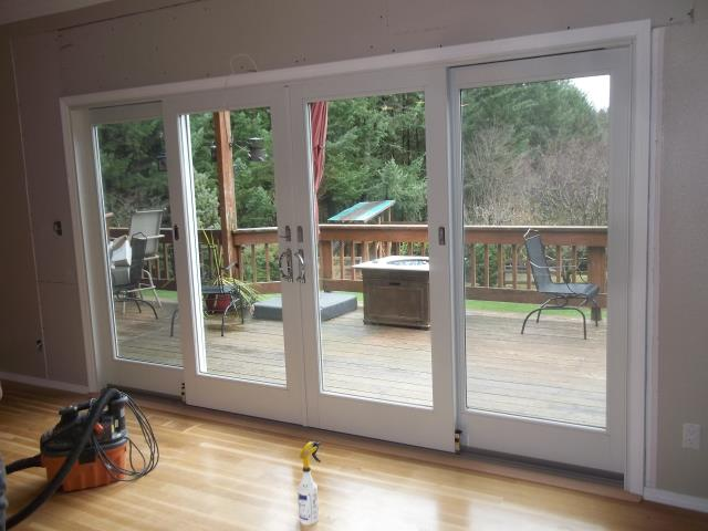 Damascus, OR - We installed 1 patio door and a customized replacement window for this home!