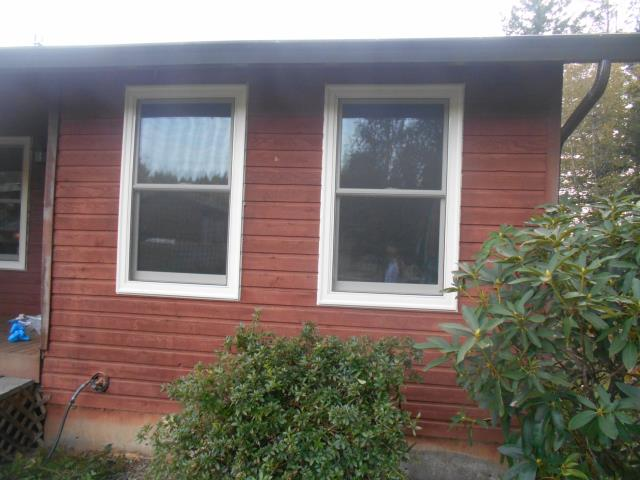 Camas, WA - We installed 13 windows and 2 patio doors for this lovely home in Camas!