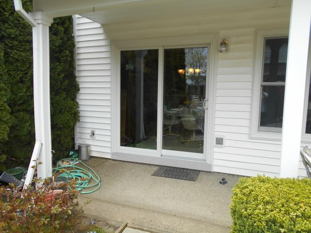 We installed 10 replacement windows and a brand new patio door for this great Banks home!