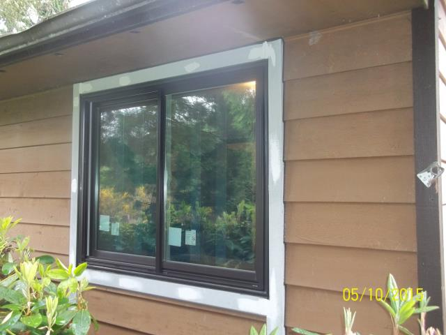 Castle Rock, WA - We installed 2 replacement windows for this sweet Castle Rock home!