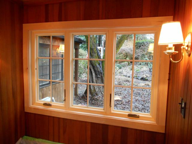 Pleasant Hill, OR - We installed 2 replacement windows for this great home in Pleasant Hill!