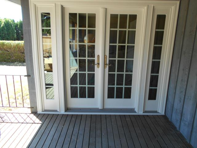 Milwaukie, OR - We installed a gorgeous patio door and specialty window for this great Milwaukie home!