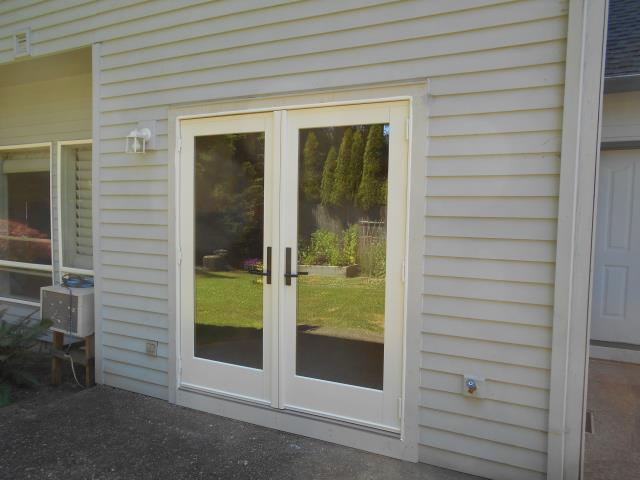 Hillsboro, OR - We installed 1 replacement patio door for this great Hillsboro Home!