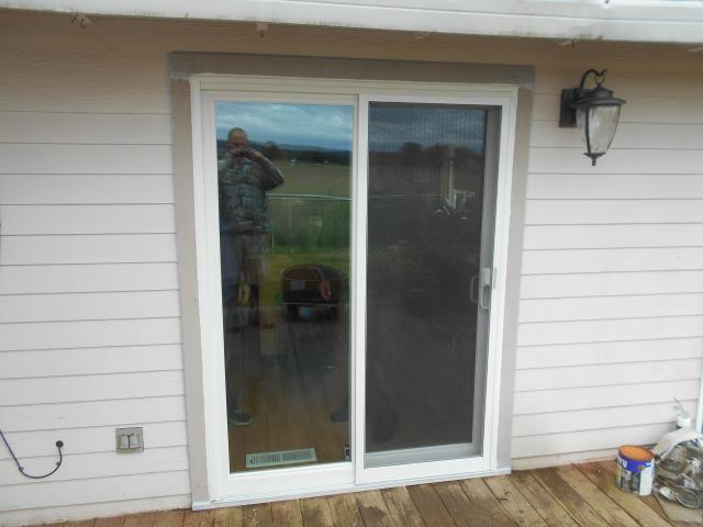 Molalla, OR - We installed a gorgeous new replacement sliding glass door for this Molalla home!