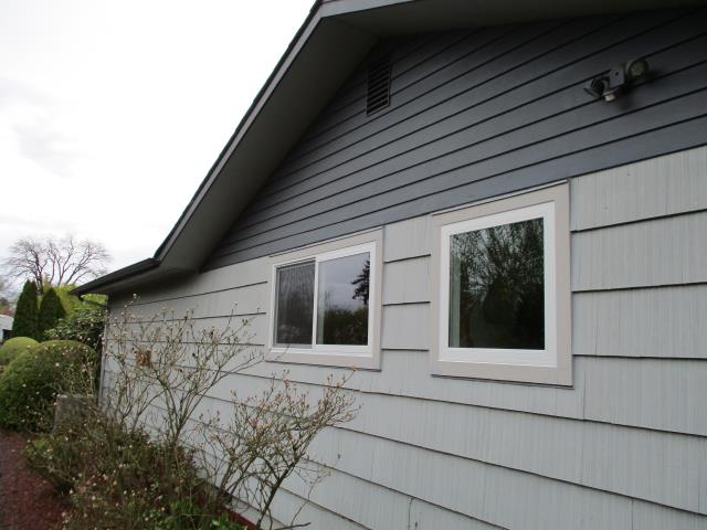 Salem, OR - We installed 8 replacement windows for this sweet Salem home!