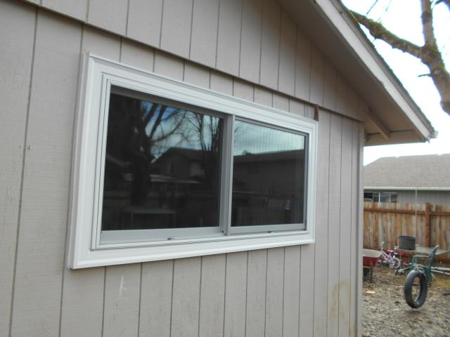 Salem, OR - We replaced 10 windows and a sliding glass patio door for this gorgeous Salem home!