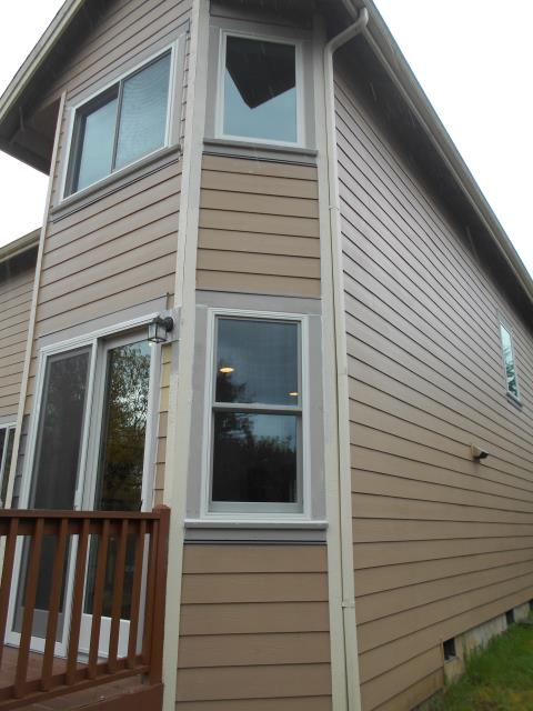 Portland, OR - We did a 3 window replacement including a patio door replacement for this lovely Portland place!