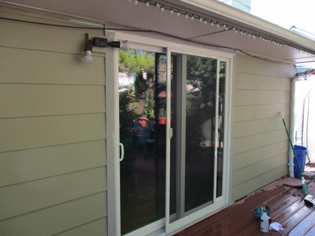 Keizer, OR - We installed 8 replacement windows and a brand new patio door for this sweet Keizer home!
