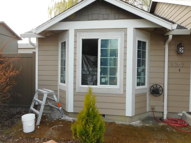 Keizer, OR - We installed 4 replacement windows and 1 patio door for this sweet Keizer home!