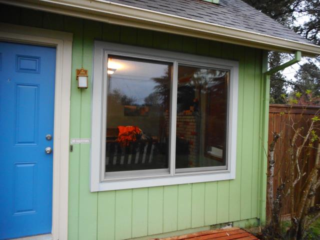 Salem, OR - We installed 6 replacement windows for this sweet Salem home!