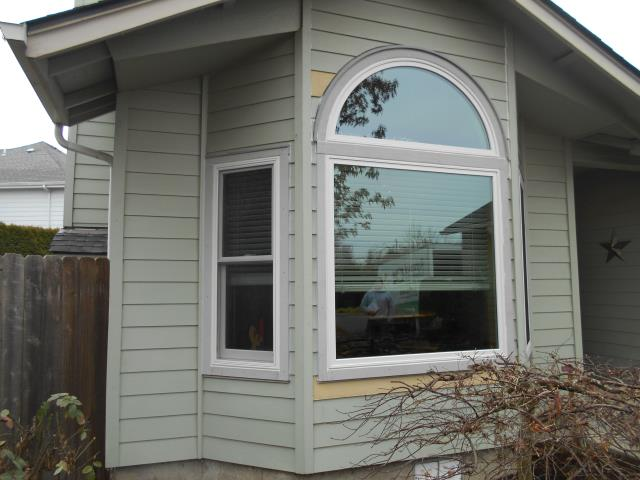 Eugene, OR - This home was done in multiple phases where we did a full replacement for these homeowners. We started with a 6 window project and completed 5 additional windows and a patio door the second go around.