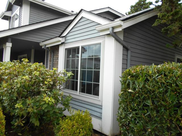 Eugene, OR - We installed 2 windows and a patio door for this amazing Eugene home!