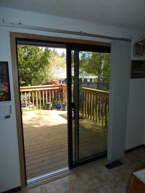 Gresham, OR - We installed a replacement sliding glass patio door for this great Gresham home!