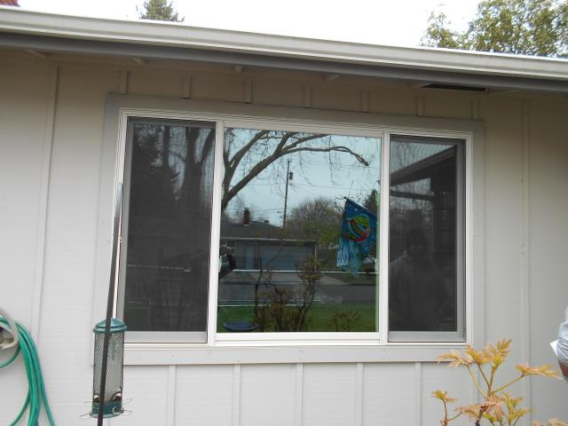 Eugene, OR - We installed 7 replacement Andersen windows for this great home along with 1 sliding glass door!