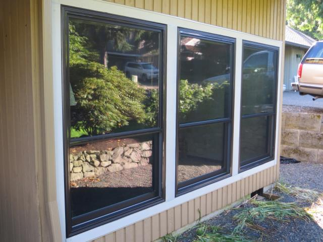 Our Certified installers did a full remodel for this home and we put in 20 replacement windows including a sliding glass patio door for this amazing Tigard home in Oregon!
