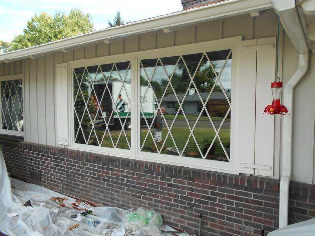 Albany, OR - Our professional installation crew replaced 17 windows for this great home in Albany, take a look at the custom grill that our happy customers designed.
