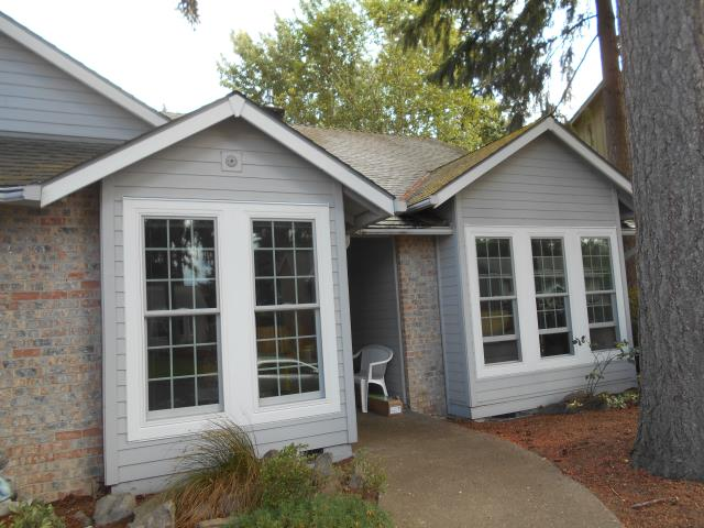 Beaverton, OR - We installed 15 replacement windows along with a replacement patio door for this lovely home in Beaverton!