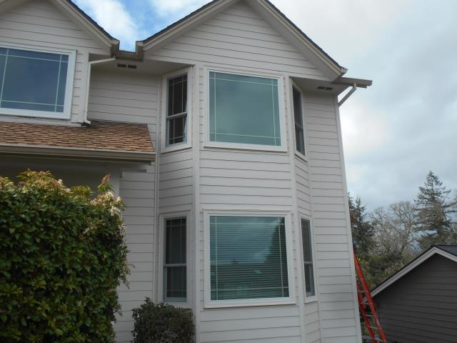 Salem, OR - We replaced 10 windows for this amazing home in Salem!
