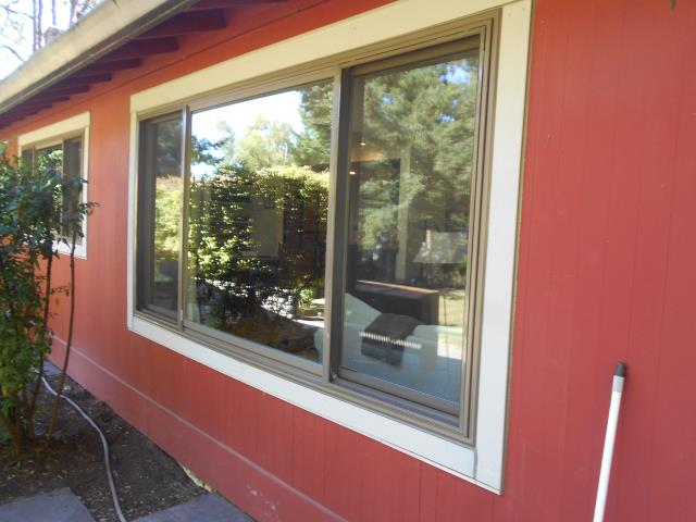 Lake Oswego, OR - We replaced 14 windows for this amazing home along with 2 replacement patio doors!