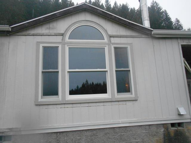 Vernonia, OR - We installed 24 replacement windows and 1 patio door for this great home in Vernonia!