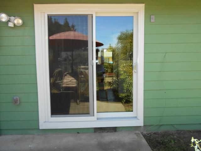 We installed 11 replacement Andersen windows as well as 1 patio door for these happy homeowners in Keizer!