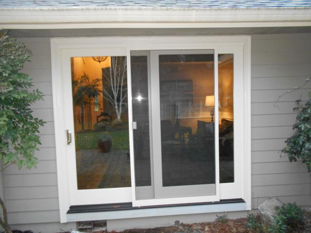 We installed 20 replacement windows for this gorgeous home in Salem as well as 3 sliding glass patio doors!