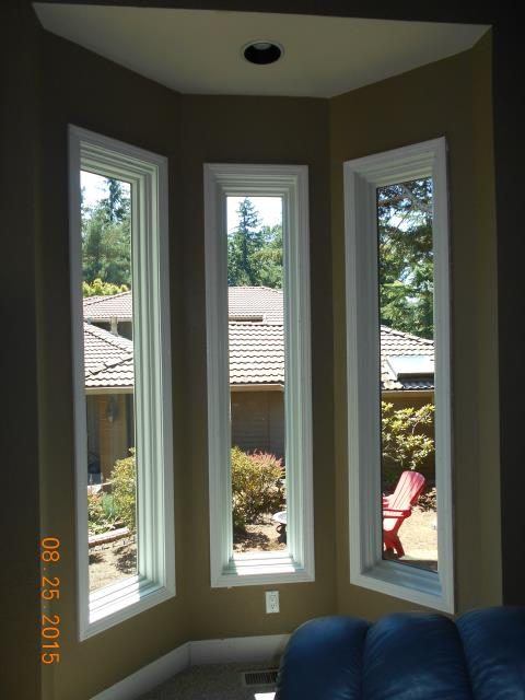 We installed 8 replacement windows for this gorgeous home in Lake Oswego.