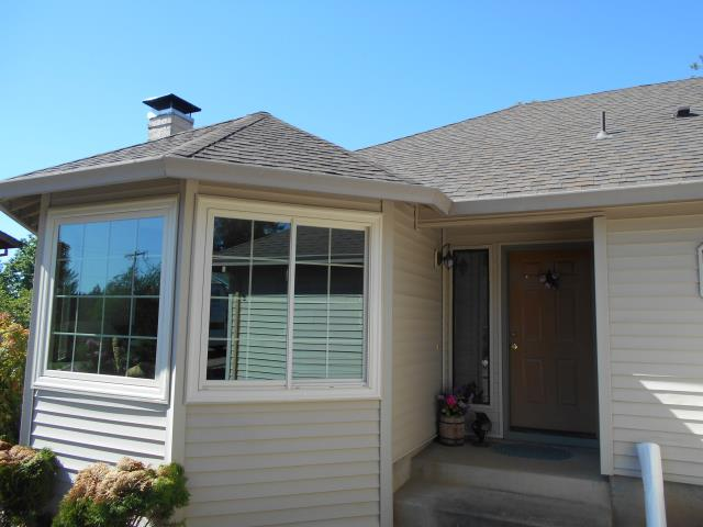 Sandy, OR - We installed 10 replacement windows for this sweet Sandy home!