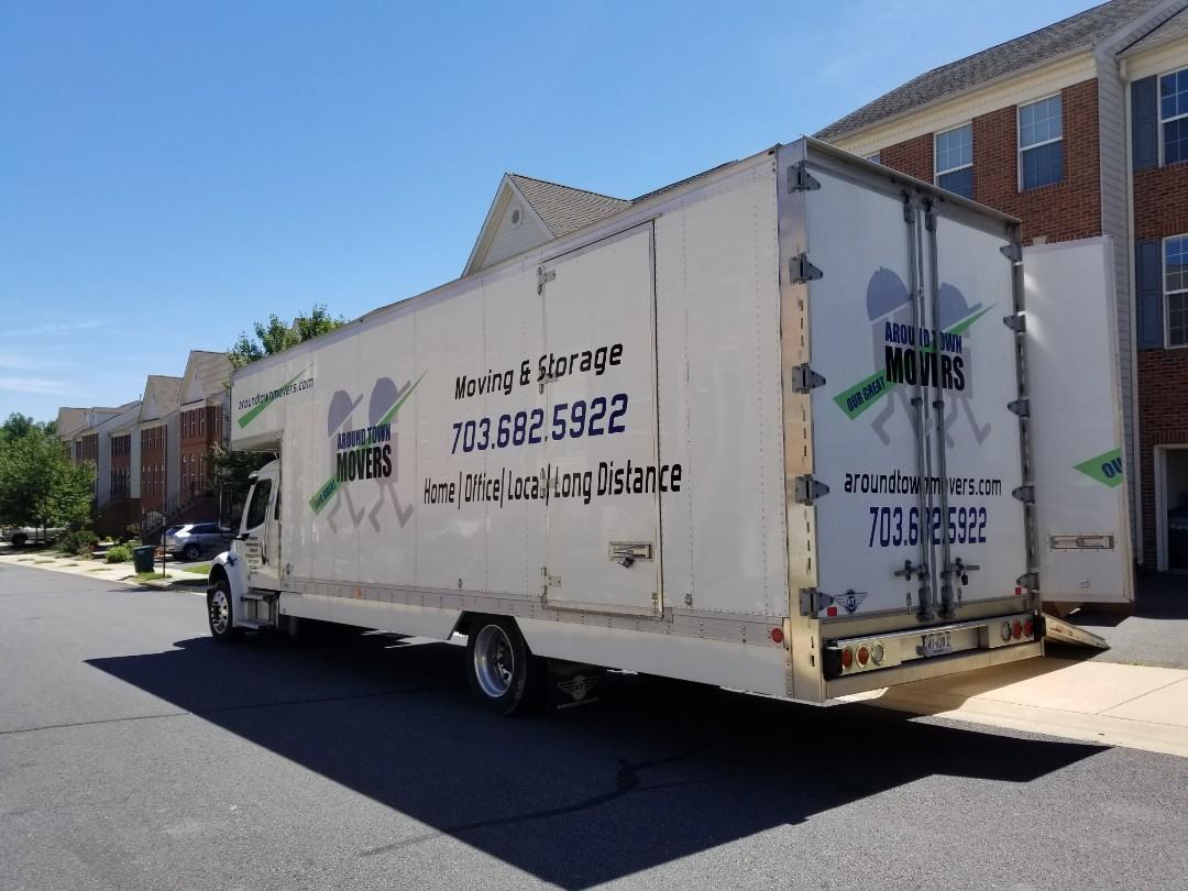 Ashburn, VA - Unloading