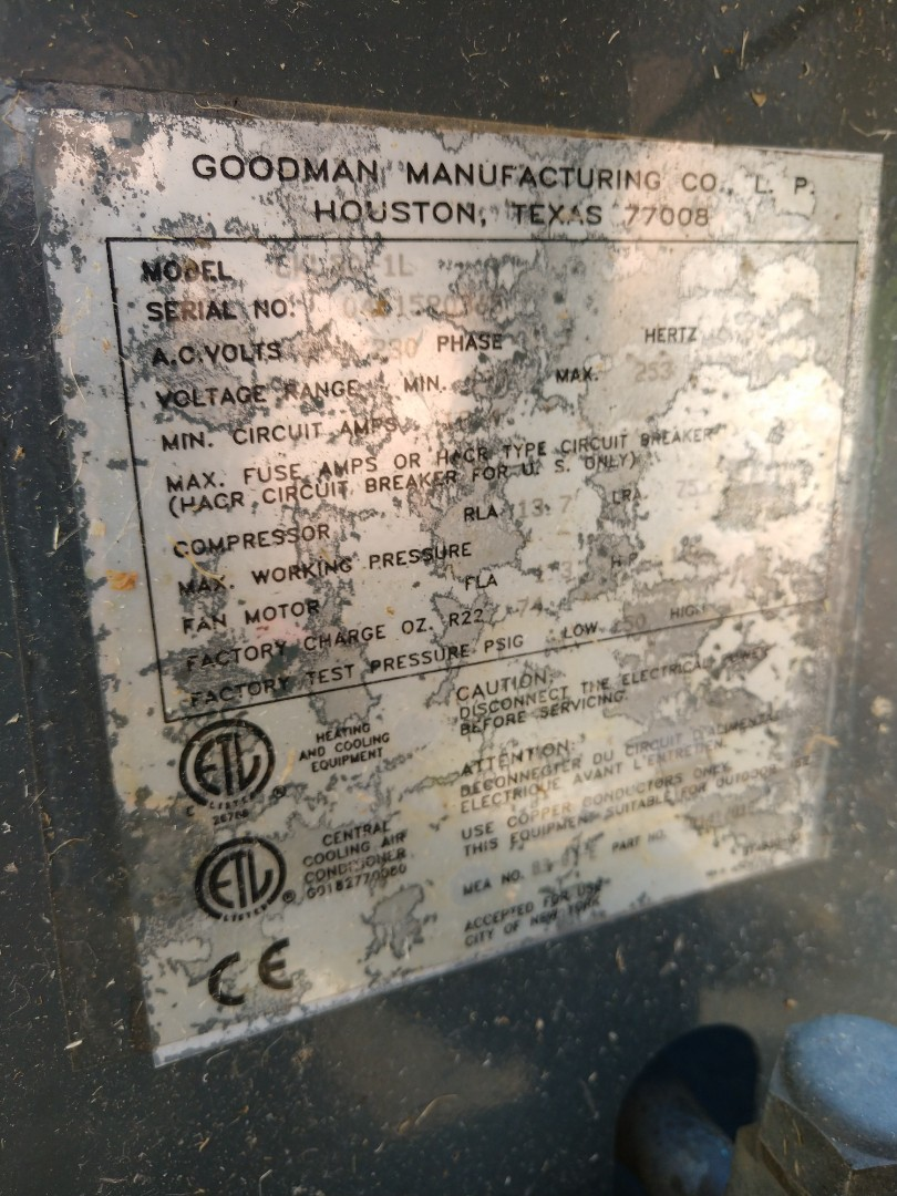 Inspection on 17 yr old Goodman R22 air conditioner.