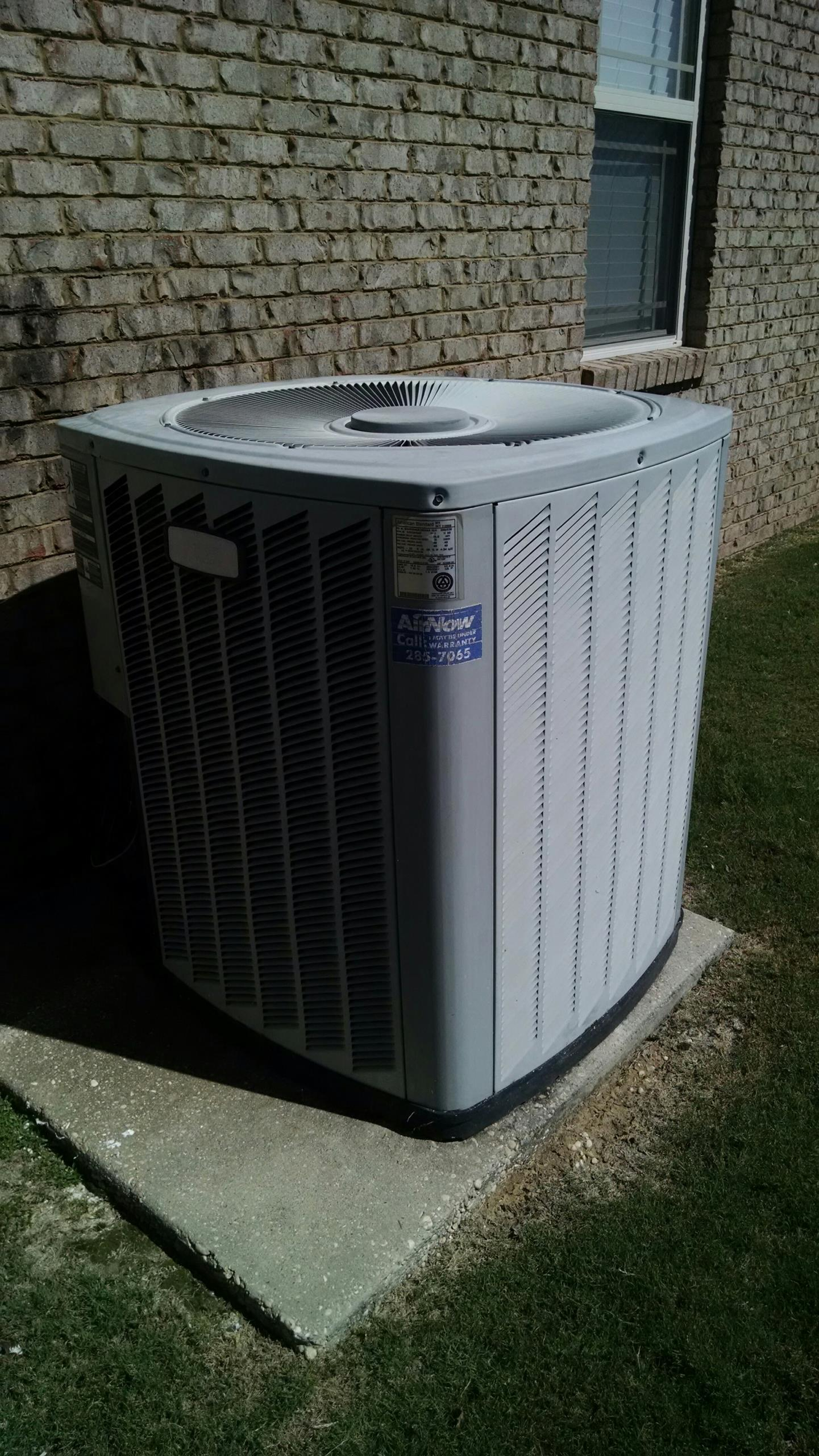 Deatsville, AL - Estimate to replace 14 yr old American Standard R22 heat pump air conditioner.