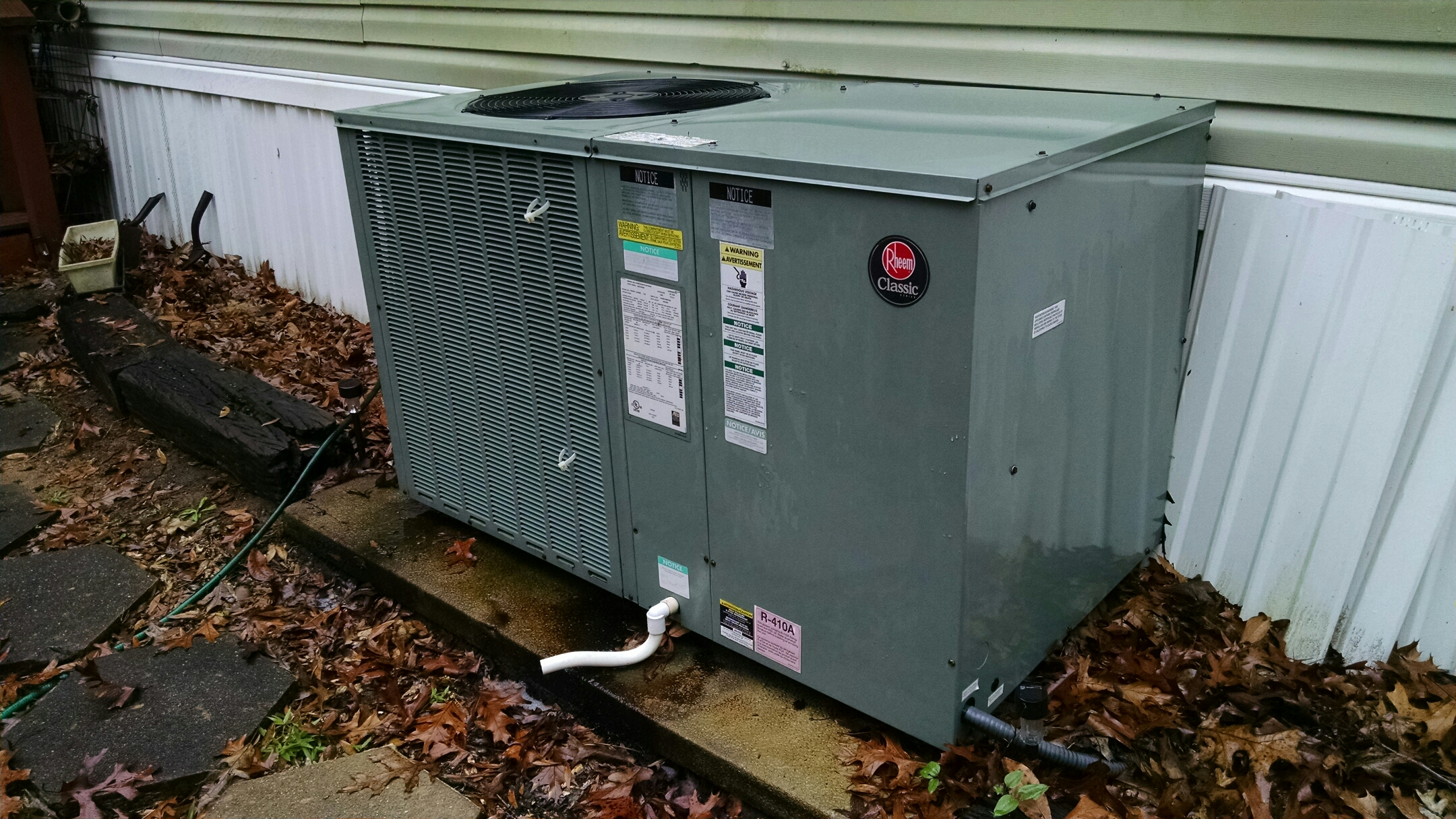 Titus, AL - Fall checkup on 9 yes old Rheem package unit heat pump. Happy Hanukkah!