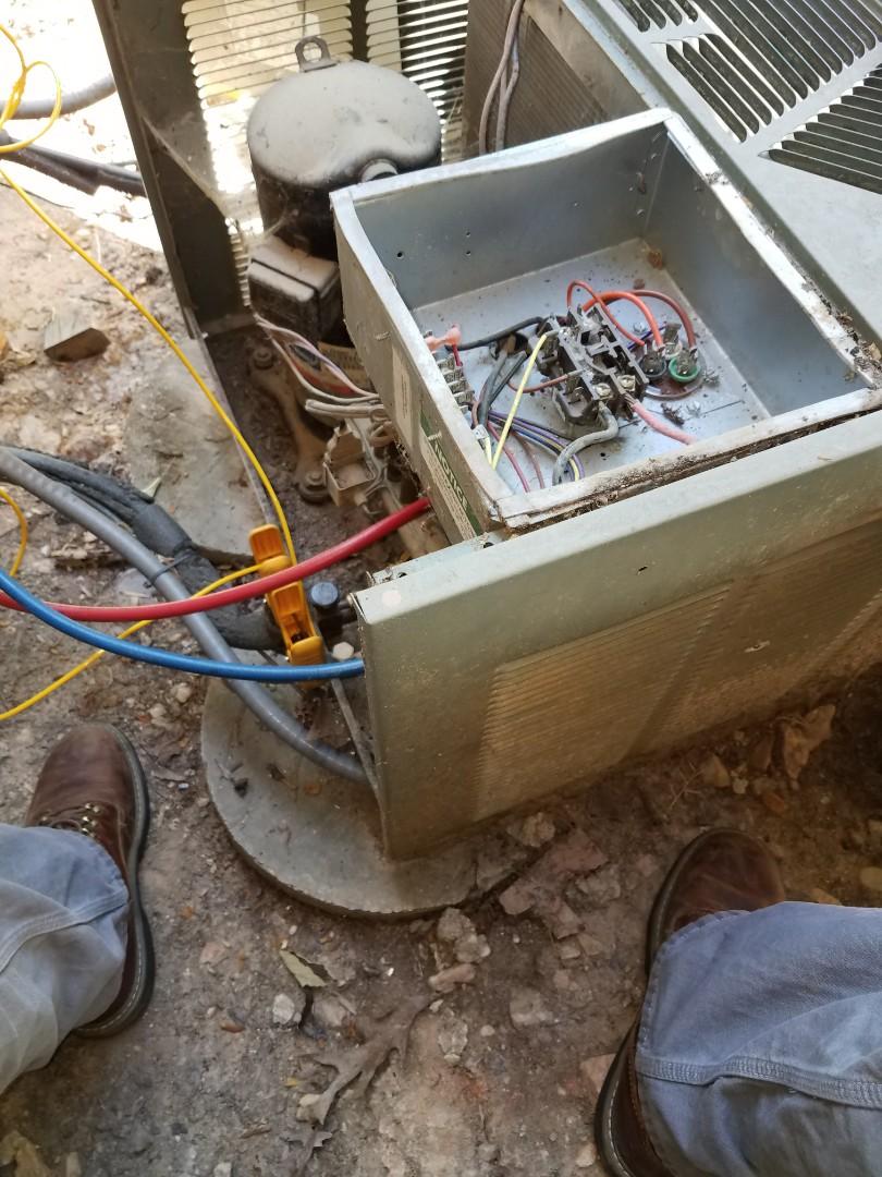 Eclectic, AL - Rheem heat pump condenser/ Eclectic, AL
