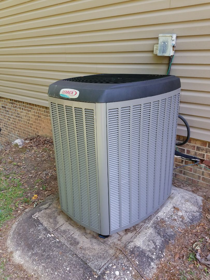 Titus, AL - Lennox high efficiency condenser A/C maintenance
