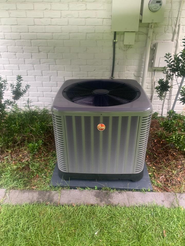 Walker, LA - Installed 4 ton condenser