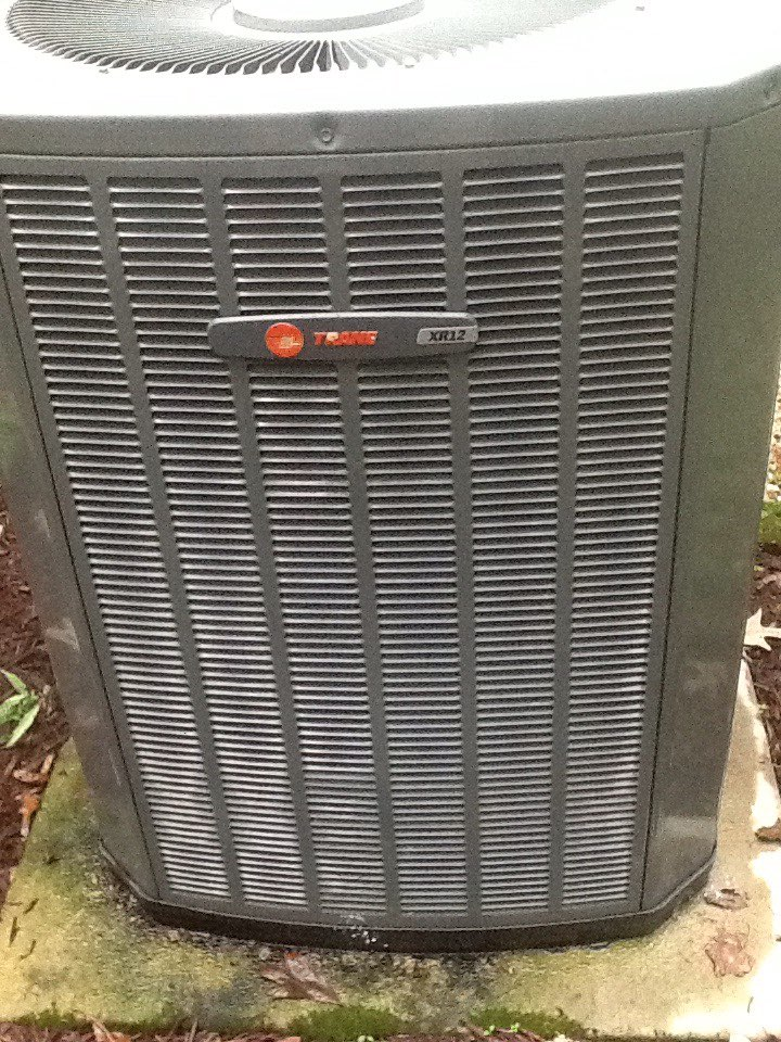 Seaford, VA - Performed tune up on Trane dual fuel system.