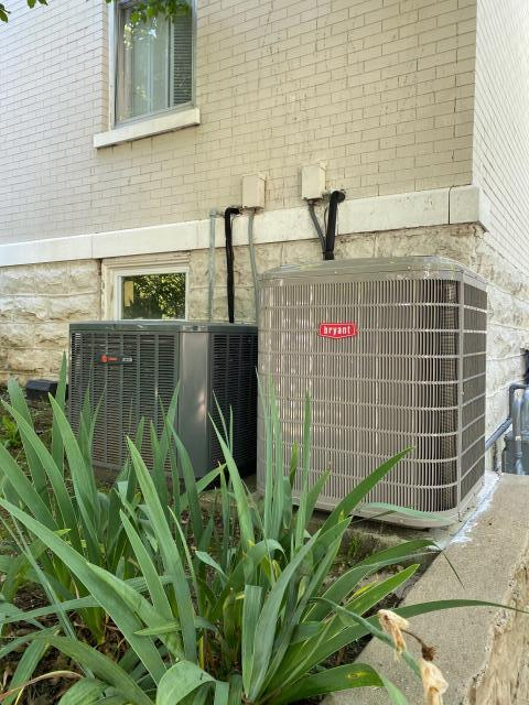 Russellville, KY - The Bryant 189 Evolution air conditioner fit the pad for a residential hvac replacement in Russellville, KY.