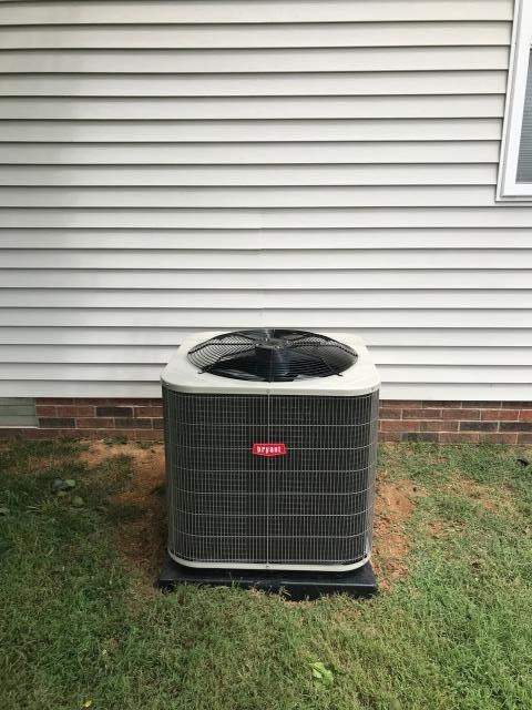 Glasgow, KY - Replaced York air conditioner in Glasgow, KY with a new Bryant 14 SEER BA14 air conditioner.
