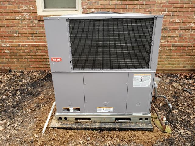 Bowling Green, KY - New Bryant Gas Package Unit, 14 SEER, 577CNWC Bryant.  Replaced a Rheem gas package unit that had many hvac service repairs, ending in a bad compressor.  Briarwood neighborhood hvac repairs.