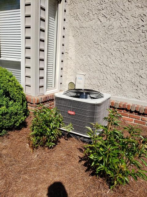 Bowling Green, KY - Bryant Air Conditioner Installation BA14BA036 - 15 SEER Air Conditioner replaced a Trane BTD736 from 1984 (almost 37 years old at replacement).  The old R22 refrigerant, air conditioner was replaced with a newer R410A refrigerant air conditioner.  Steeplechase Subdivision.