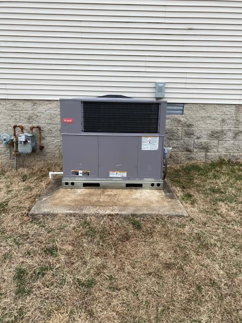 Bowling Green, KY - Customer's Rheem Gas Package unit had many heating repairs recently, so they upgraded to a Bryant Gas Package Unit for better reliability and higher efficiency.  Park Hills Subdivision, Bowling Green, KY.