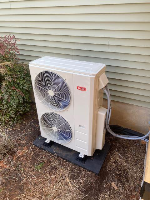 Bowling Green, KY - Residential New Construction, Bryant Multi-Zone Ductless Heat Pump handling the heating and cooling of this new addition to an existing home.  Heating without strip heat, cooling without ductwork.  The way of the future in HVAC.