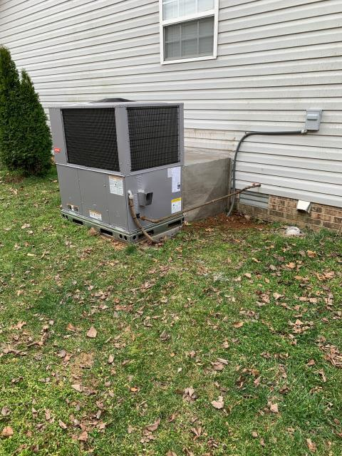 Bowling Green, KY - Replaced old Rheem Gas Package Unit with new Bryant Gas Package Unit, the old Rheem HVAC system had a bad heat exchanger, out of warranty, and the age and lower efficiency of the Rheem system made the Bryant HVAC system a great choice.  Fieldstone Farms Subdivision.