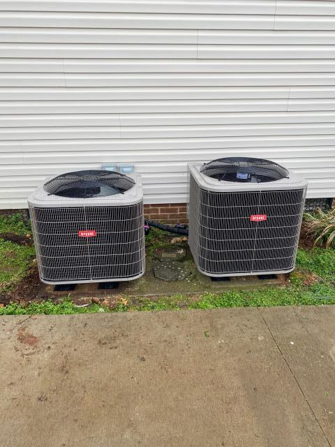 Bowling Green, KY - Heat Pumps installed for a home owner in Plano, KY who were preparing their home for the upcoming summer heat.  Bryant 214 Series Heat Pumps.  TVA Heat Pump Program.