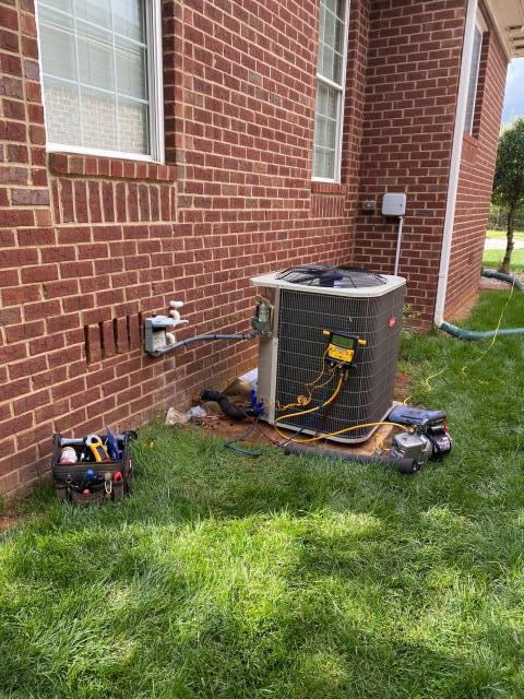Bowling Green, KY - AC Repair Bowling Green KY, replaced another Rheem Air Conditioner with a Bryant BA14 Air Conditioner.  Woodland Station, Bowling Green, KY 42104