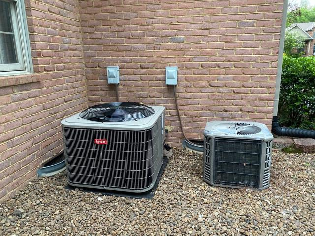 Bowling Green, KY - The main floor air conditioner was an old York Air Conditioner that was low of refrigerant (leaking refrigerant).  The homeowner upgraded to a Bryant 116 Air Conditioner, 16 SEER for lower utility bills and less hvac repairs.  Pine Grove Subdivision, Bowling Green, KY